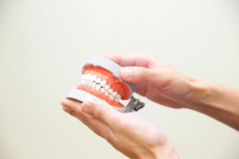 幸せを噛みしめるための入れ歯治療